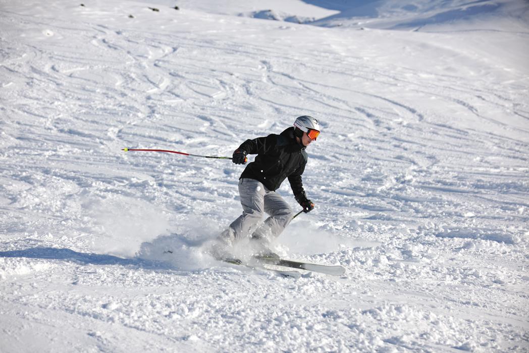 Casco En La Nieve