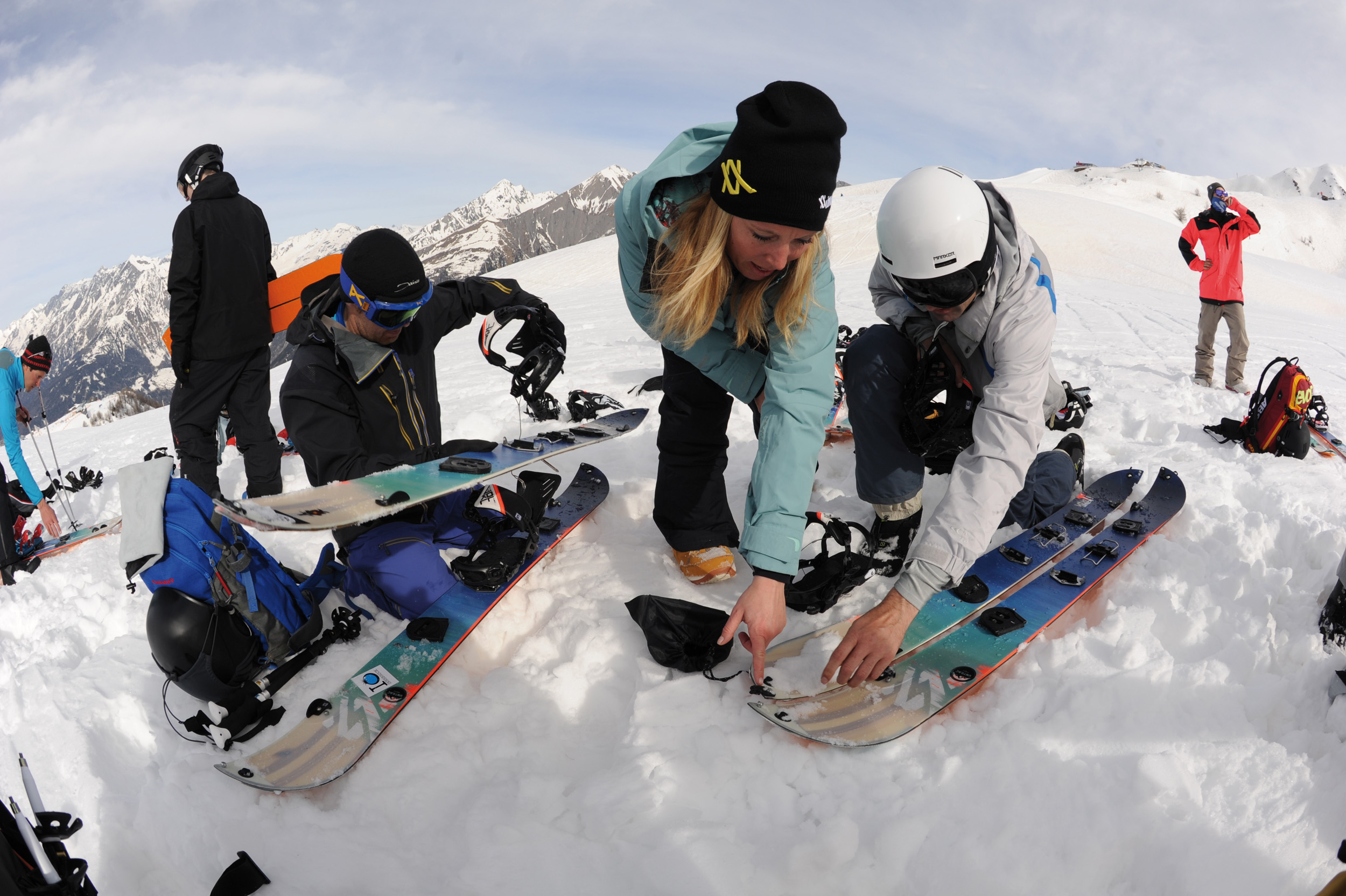 SPLITBOARD: FEEL THE MOUNTAIN WITH YOUR SNOWBOARD